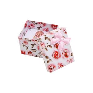Růžová krabička s mašlí - růže