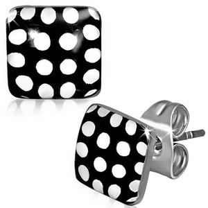 Puzetové náušnice – černé čtverce s bílými puntíky